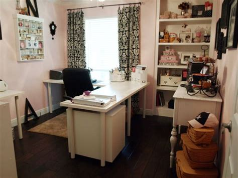 Beautiful Craft Room Interior Design Ideas That Make Work