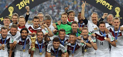 Titelverteidiger ist spanien, deutschland will endlich unter bundestrainer joachim seit dem 13. WM Wetten | Tipps, die besten Buchmacher & Quoten für die ...