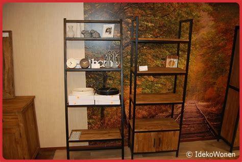 boekenkast 70 cm breed boekenkast teakhout 2 deuren 70 cm breed ideko budget wonen