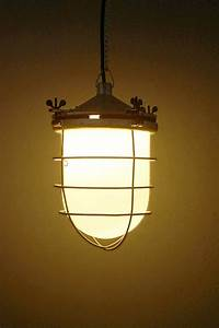 Vintage Lampen Berlin : industrielampen fabriklampen no 152 industrielampe fabriklampe fabriklampen bunkerlampen ~ Markanthonyermac.com Haus und Dekorationen
