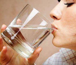 Quanti Bicchieri D Acqua Bisogna Bere Al Giorno by Salute E Benessere 5 Regole Possiamo