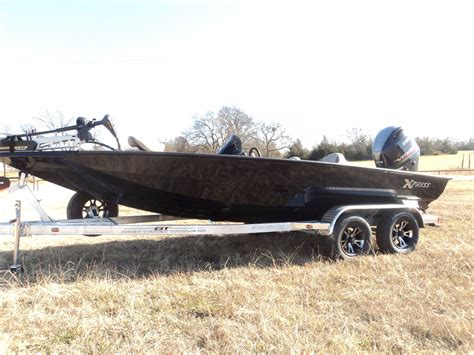 Xpress X19 Bass Boat by Click Here For Vehicle Details