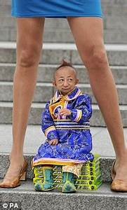 World's shortest man dies of heart complications at age of ...