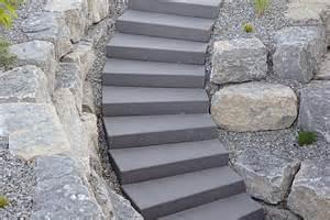 naturstein treppe betonstein stufen blockstufen und stufenplatten