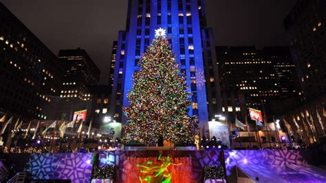 world famous christmas tree will light up tonight