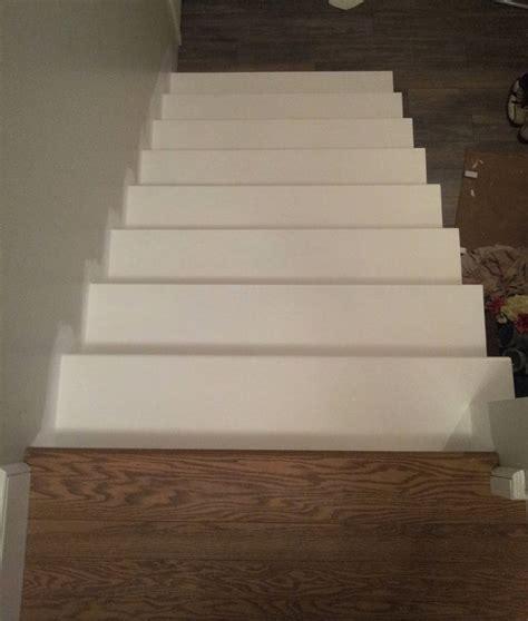 installation de tapis dans escalier peinture pour l escalier du sous sol