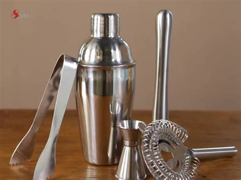 Barware Set With Boston Shaker And Jigger For Bartender