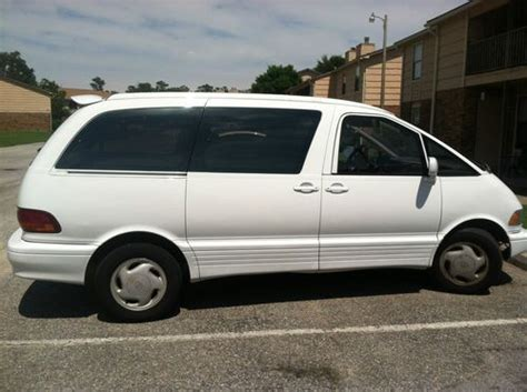find   toyota previa le mini passenger van  door