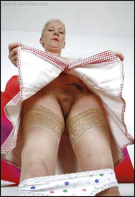 grandmas peep under skirt