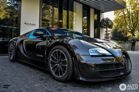 The veyron 16.4 super sport expanded the limits of possibility in the automotive sector even further and set new benchmarks. Bugatti Veyron 16.4 Super Sport Edition Merveilleux - 2 ...