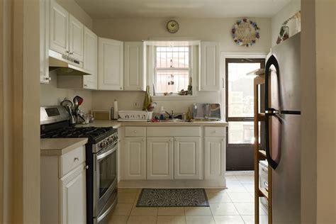philadelphia kitchen design gordon ramsay gives hell s kitchen winner home makeover 1474