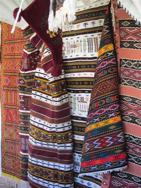 le travail du tissage dans la d 233 coration marocaine salon marocain d 233 co