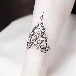 Mandala Tattoo Unterarm : mandala tattoo wissenswertes und 67 ideen wohnideen und dekoration ~ Frokenaadalensverden.com Haus und Dekorationen
