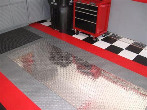 RaceDeck Pro Diamond Plate Tiles Garage Flooring