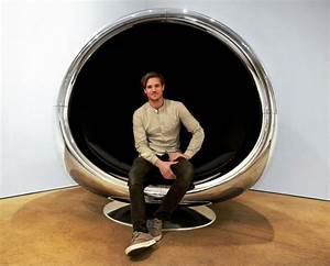 A repurposed boeing 737 engine cowling makes a fantastic for A repurposed boeing 737 engine cowling makes a great chair