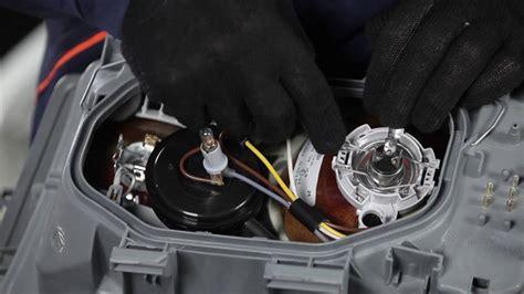 hoe een koplamp vervangen op een mercedes benz