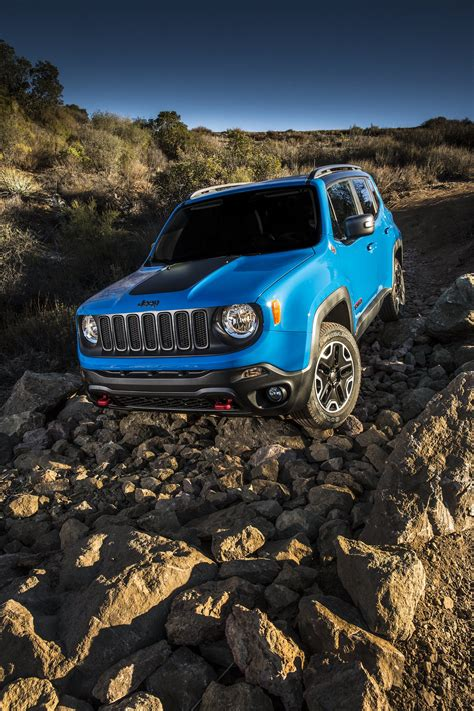 Jeep Renegade Backgrounds by 2015 Jeep Renegade Trailhawk Suv 4x4 Wallpaper 2000x3000