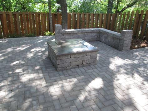 paver pit and sitting wall traditional patio