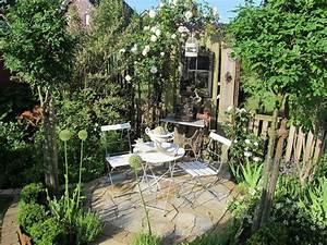 Gemütliche Sitzecke Im Garten : sitzecken e m gartenwelten ~ A.2002-acura-tl-radio.info Haus und Dekorationen