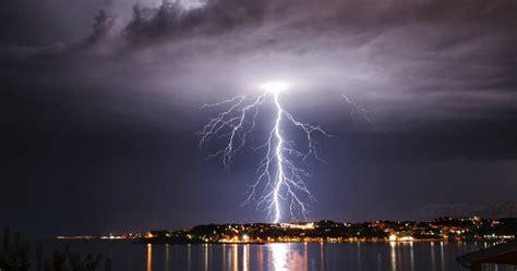 strange electrical phenomena   nature listverse