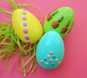 Easy DIYDecorate Easter Eggs with Stickers