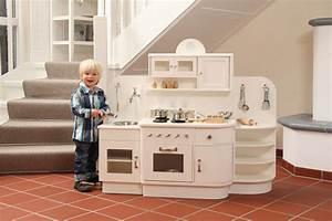 Küche Für Kinder : tischlerei adrian die spielk che aus holz f r kinder ~ A.2002-acura-tl-radio.info Haus und Dekorationen