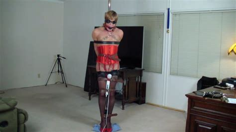 Having Fun Shemale Stockings And Sex Toy Porn Video 20