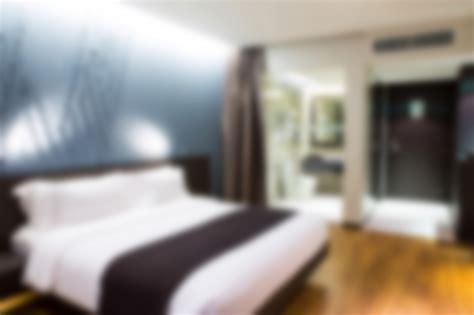 chambre d h el au mois chambre d 39 hôtel avec un lit defocused télécharger