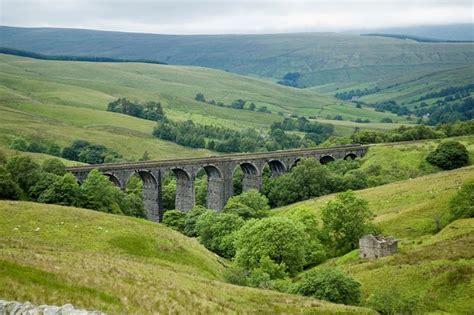 Yorkshire Dales, England  Tourist Destinations