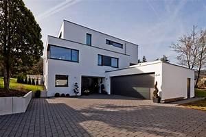 Pläne Für Häuser : tausend terrassen f r ein haus doppelgarage w rttemberg ~ Lizthompson.info Haus und Dekorationen