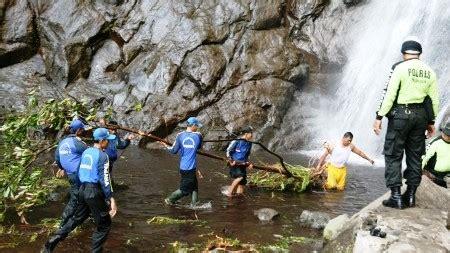 wisata sedudo nganjuk jatim tempat wisata indonesia
