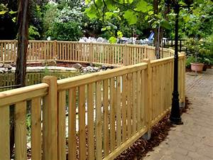 Zaunfelder aus holz die schonsten einrichtungsideen for Französischer balkon mit gartenzaun tür holz selber bauen