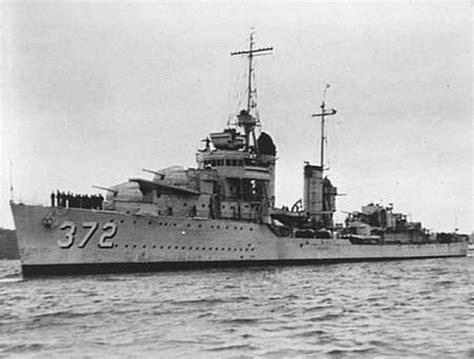 Uss Cassin (dd-372) At Sydney In 1941.jpg