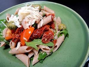 Tomaten In Der Wohnung : italienischer pastasalat mit getrockneten tomaten mit ~ Lizthompson.info Haus und Dekorationen