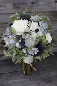 Hortensien In Heißes Wasser : brautstrau marine rund aus saisonblumen blau wei kau ~ Lizthompson.info Haus und Dekorationen