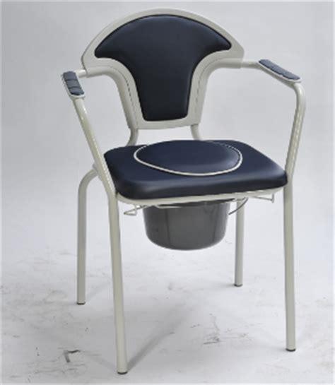 chaises percées de toilette chaise de toilette caraïbes réf 811125 ergo home