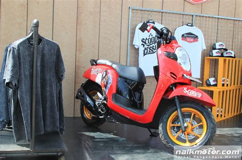 Modif Motor Scopy 2017 by Striping Scoopy Sporty 2017 Kuning Daftar Update Harga