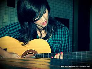 Latest Wallpapers For U: Girl With Guitar | Chainimage