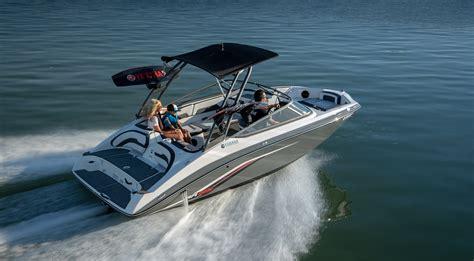 Driving Yamaha Boat by Ar195 Yamaha Boats