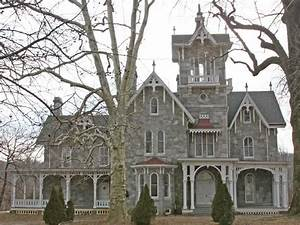 Carpenter style house, colonial house gothic victorian ...