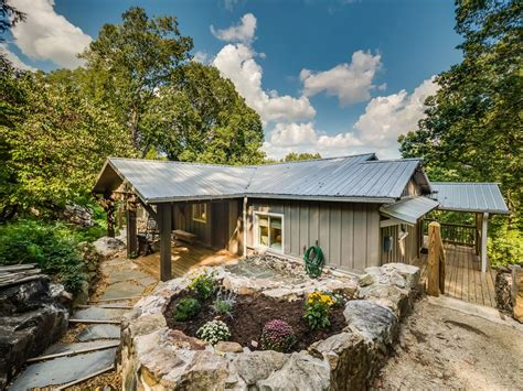 chattanooga tn cabins the nest chattanooga vacation rentals quot the nest quot sleeps