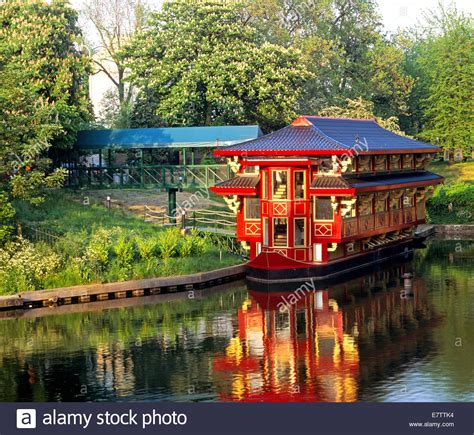 Floating Boat Chinese Restaurant London the feng shang floating chinese restaurant regents park