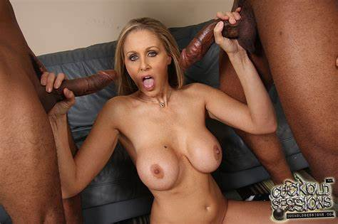 Abby In The Biggest Meat Session Julia Ann Take Cunt Filled With Threesomes Small White Dick