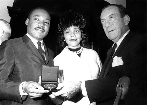 Dr. Martin Luther King Jr., With Wife Photograph By Everett
