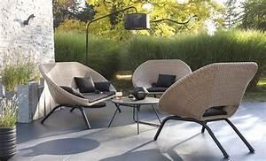 Table De Jardin Solde : invitation la d tente avec ce fauteuil en rotin ~ Teatrodelosmanantiales.com Idées de Décoration