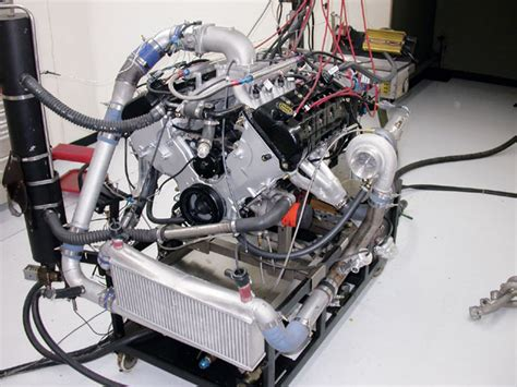 ford  engine build modular maxout tech photo
