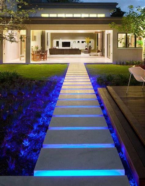 Garten Gehweg Ideen by Led Indirekte Beleuchtung Auf F 252 223 Weg Untergrundbeleuchtung