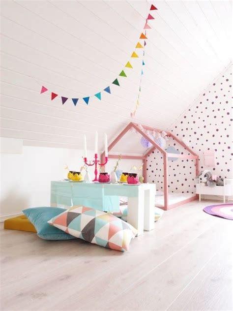tenture chambre bébé lit cabane enfant cocoeko