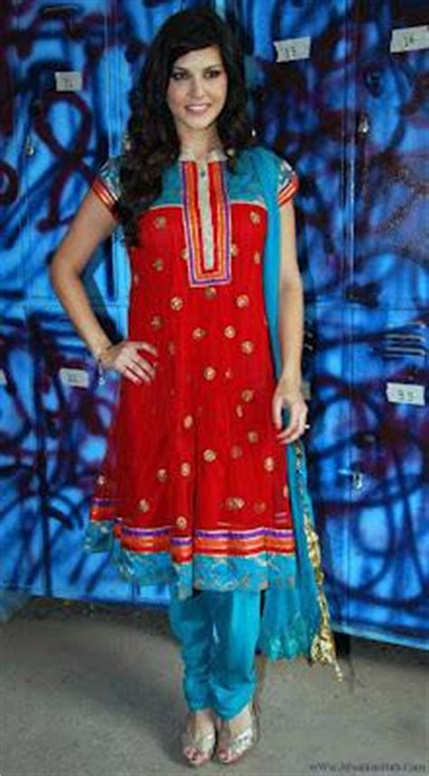 sunny leone  indian dress shalwar kameez latest photo