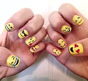Emoji nails my nail art and